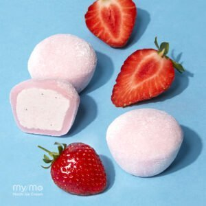 Vegan Strawberry My/Mochi and Strawberries